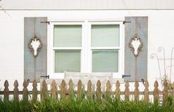 Obturadores ornamentales de la ventana Fotografía de archivo libre de regalías