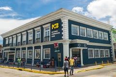 Obywatel Commercial Bank na Narożnikowym pas ruchu w Sam Sharpe kwadracie, w centrum Montego Bay, Jamajka zdjęcia stock