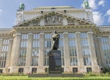 Obywatel i biblioteka uniwersytecka w Zagreb przy Marulicev trg obraz stock