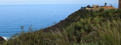 Océano de Montaña y Montanha e oceano Foto de Stock