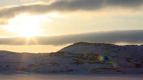 Océan arctique, horaire d'hiver, rivage de neige, Russie, paysage de belle nature sauvage de nord Belle glace d'hiver de neige et banque de vidéos
