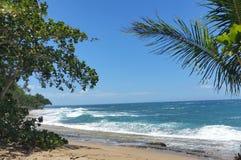 Océan chez Sandy Beach dans Rincon Images libres de droits