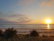 Océan de lever de soleil images libres de droits