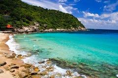 Océan et la plage de l'île de tortue (Thaïlande Image libre de droits
