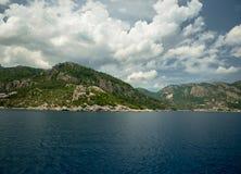 Océan et montagnes Photo libre de droits