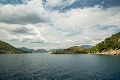 Océan et montagnes Image libre de droits