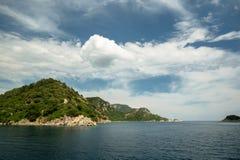 Océan et montagnes Image stock