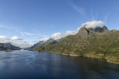 Océan et montagnes incorporées Images stock