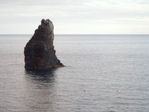 Océan et roches photographie stock libre de droits