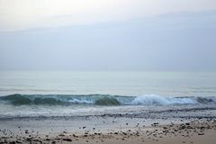 Océan magique atlantique Matin Lever de soleil au-dessus de l'horizon Grands moments d'un nouveau jour Photos libres de droits