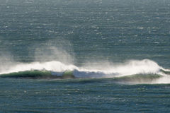 Océano Atlántico agita en Patagonia Imagenes de archivo