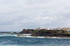 Océano Atlántico agita la tierra de Portugal Azores de la naturaleza de la isla volcánica Imagen de archivo libre de regalías