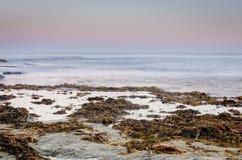 Océano crepuscular fotografía de archivo libre de regalías
