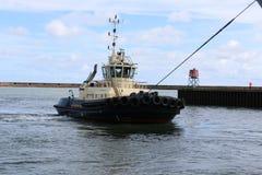 Océano del HMS que llega Sunderland, el 1 de mayo de 2015 Foto de archivo