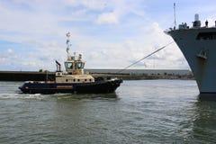 Océano del HMS que llega Sunderland, el 1 de mayo de 2015 Fotos de archivo