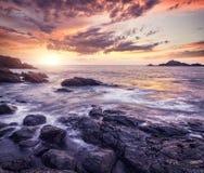 Océano en la puesta del sol Fotografía de archivo