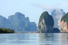 Océano tailandés con la comunidad Foto de archivo libre de regalías