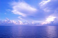 Océano y cielo Imágenes de archivo libres de regalías