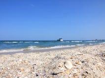 Océano y playa imagenes de archivo