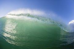 Océano del agua de la natación de la onda Imágenes de archivo libres de regalías