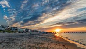 Ocaso en la playa imagen de archivo libre de regalías
