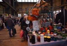 Occasion de vintage - Fleamarket Amsterdam, Hollande photographie stock libre de droits