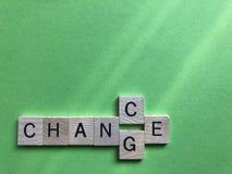 Occasion ou changement des lettres en bois de l'alphabet 3d images libres de droits