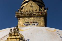 Occhi del Buddha sullo stupa di Boudhanath a Kathmandu fotografia stock libera da diritti