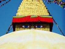 Occhi di Buddah in tempio di Bouddhanath Fotografie Stock