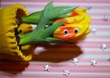 occhi divertenti del carattere del tulipano sveglio fotografie stock