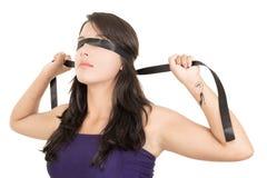 Occhi fissati, donna di legatura Fotografia Stock