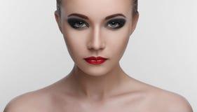 Occhi fumosi di bellezza di trucco delle donne Fotografia Stock