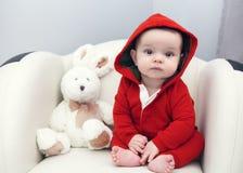 Occhi neri caucasici svegli della ragazza del neonato Fotografia Stock