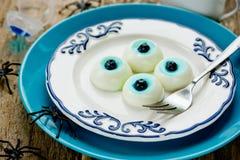 Occhi realistici della gelatina del dessert di Halloween di divertimento Fotografie Stock
