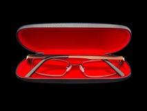 Occhiali in cassa rossa del velluto Fotografia Stock Libera da Diritti