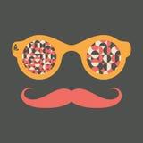 Occhiali da sole d'annata dei pantaloni a vita bassa con i cerchi ed i semicerchi Fotografie Stock