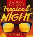 Occhiali da sole per il tema tropicale per il ` s Eve Party del nuovo anno, Fotografia Stock Libera da Diritti