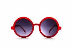 Occhiali da sole rossi alla moda Fotografia Stock