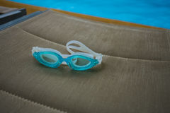 Occhiali di protezione blu di nuoto Fotografia Stock Libera da Diritti