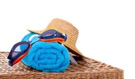 Occhiali di protezione e un cappello di paglia Fotografia Stock