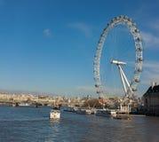 Occhio di Londra dal ponticello di Westminster Fotografia Stock Libera da Diritti
