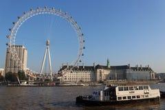 Occhio ed il Tamigi di Londra fotografie stock libere da diritti