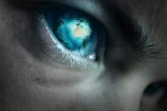 Occhio sul mondo immagini stock