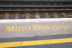 Occupez-vous du signe de Gap Images libres de droits