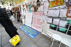 Occupi la parete dei protestatori di Londra Fotografia Stock Libera da Diritti