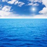 Oceaan blauw royalty-vrije stock afbeelding