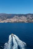 Oceaan en bergen Royalty-vrije Stock Afbeelding