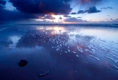 Oceaan en zonsondergang Stock Foto's