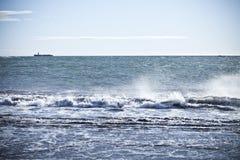 Oceaan met Klein Eiland Royalty-vrije Stock Foto's