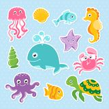 Oceaan met leuke van de overzeese de schildpadwalvis die dierenoctopus seahorse wordt geplaatst stock illustratie
